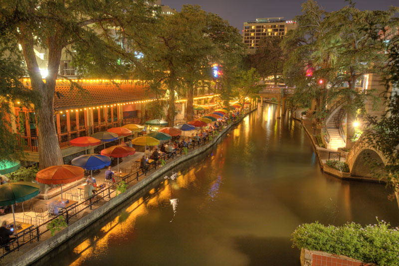 Riverwalk at dusk08
